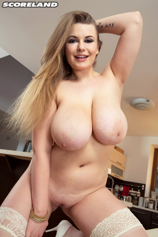 Larissa Linn – ScoreLand – Kitchen Wet Dreams Playing with her Huge Tits 1080p