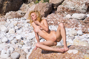Ariel - Nude Beach  x6r1iktef0.jpg