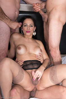 Tsraw presents Bruna Castro Bareback Gangbang