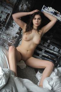 Amelie Belain - Gitesa  76rligiwjg.jpg