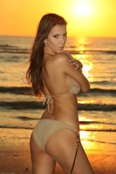 Lizzie Ryan - Beach Sunset h6t5hkx6ps.jpg
