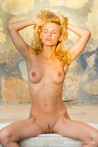 Ariel - Sexpot  k6rraowyg4.jpg