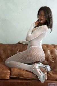 Amina - Fishnet  46rrsnbabx.jpg